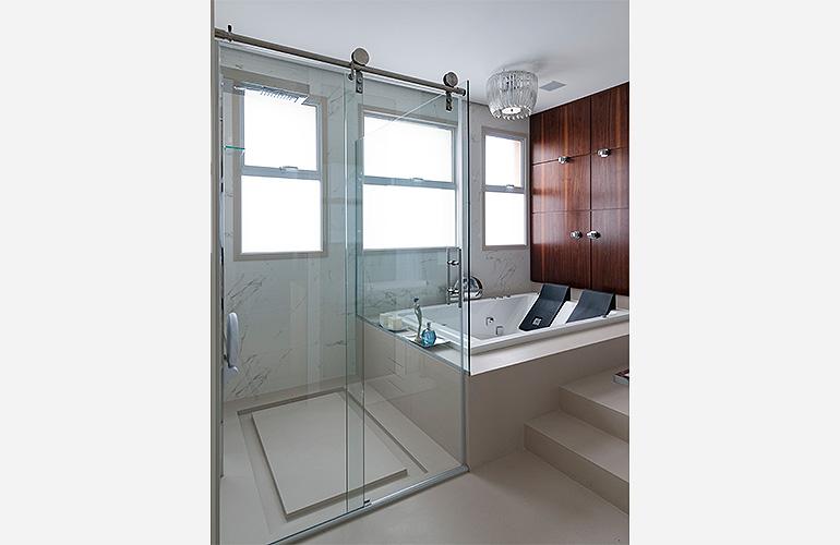 Gustavo JuliãoPiso,-revestimento-de-banheira-e-moldura-da-janela---Material-Corian-Whisper-Semi-brilho